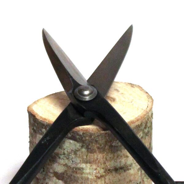 Kvistsax av kolstål för beskärning av kvistar och små grenar på ditt bonsaiträd. Från japanska Kikuwa.Kvistsax av kolstål från japanska Kikuwa